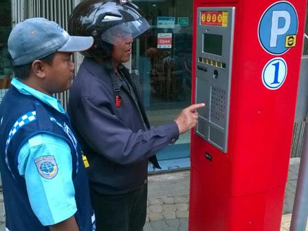 Parkir Meter Jadi Percontohan Kartu Jakarta One