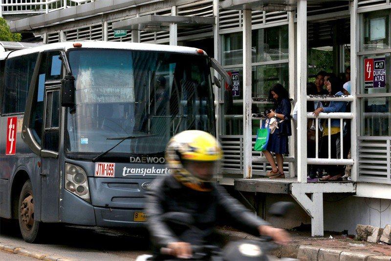 Jakartans lack access to decent public transportation: Report