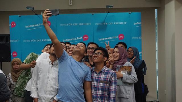 """Lokakarya """"Mobilitas, Infrastruktur, dan Perubahan Iklim"""" & Site Visit Busway bersama FNF Indonesia"""