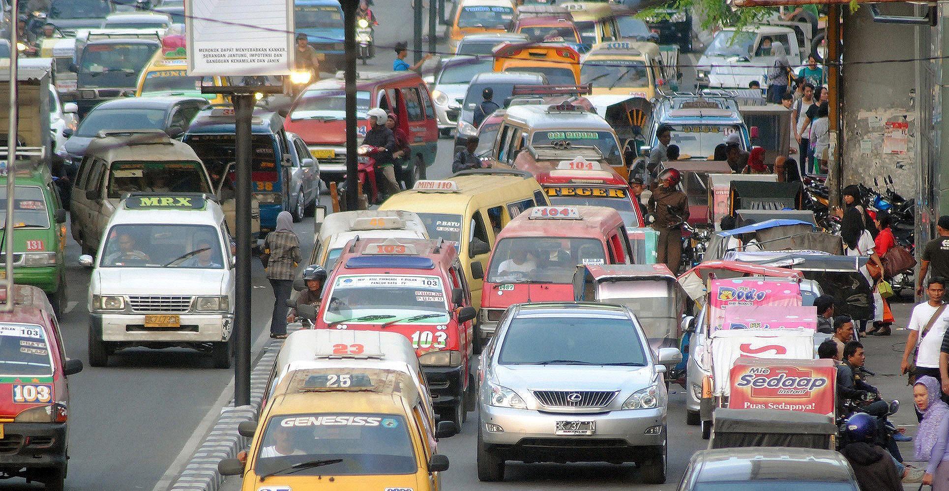Medan-minibuses-e1489102099924