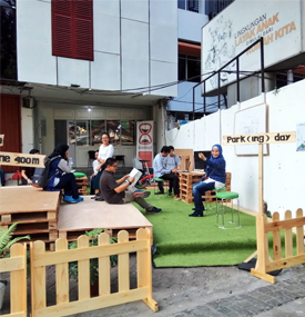 Park(ing) Day Jakarta 2017: Parking Space to People Space